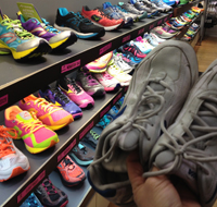 Post image for How to buy running shoes
